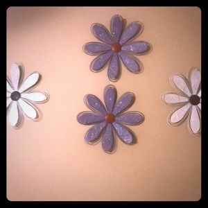 Cute glittery flower room decor ( 4 in 1 deal )